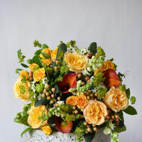 Le Bouquet Amber Hand-Tied2